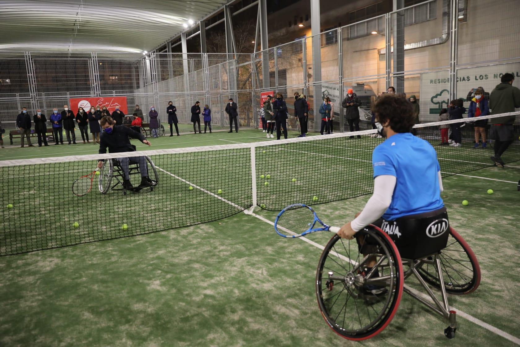 Image for El Ayuntamiento de Madrid y la Fundación Emilio Sánchez Vicario crean una Escuela de Tenis Adaptado en Arganzuela.